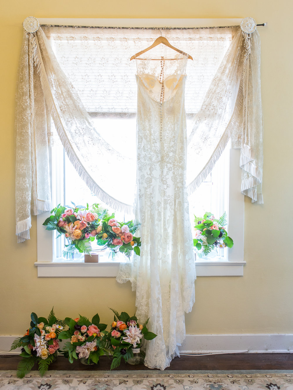 www.santabarbarawedding.com | Kiel Rucker | Riviera Mansion | Wedding Gown