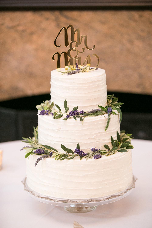 www.santabarbarawedding.com | Melissa Musgrove Photography | Margaret Joan Florals | Wedding Cake