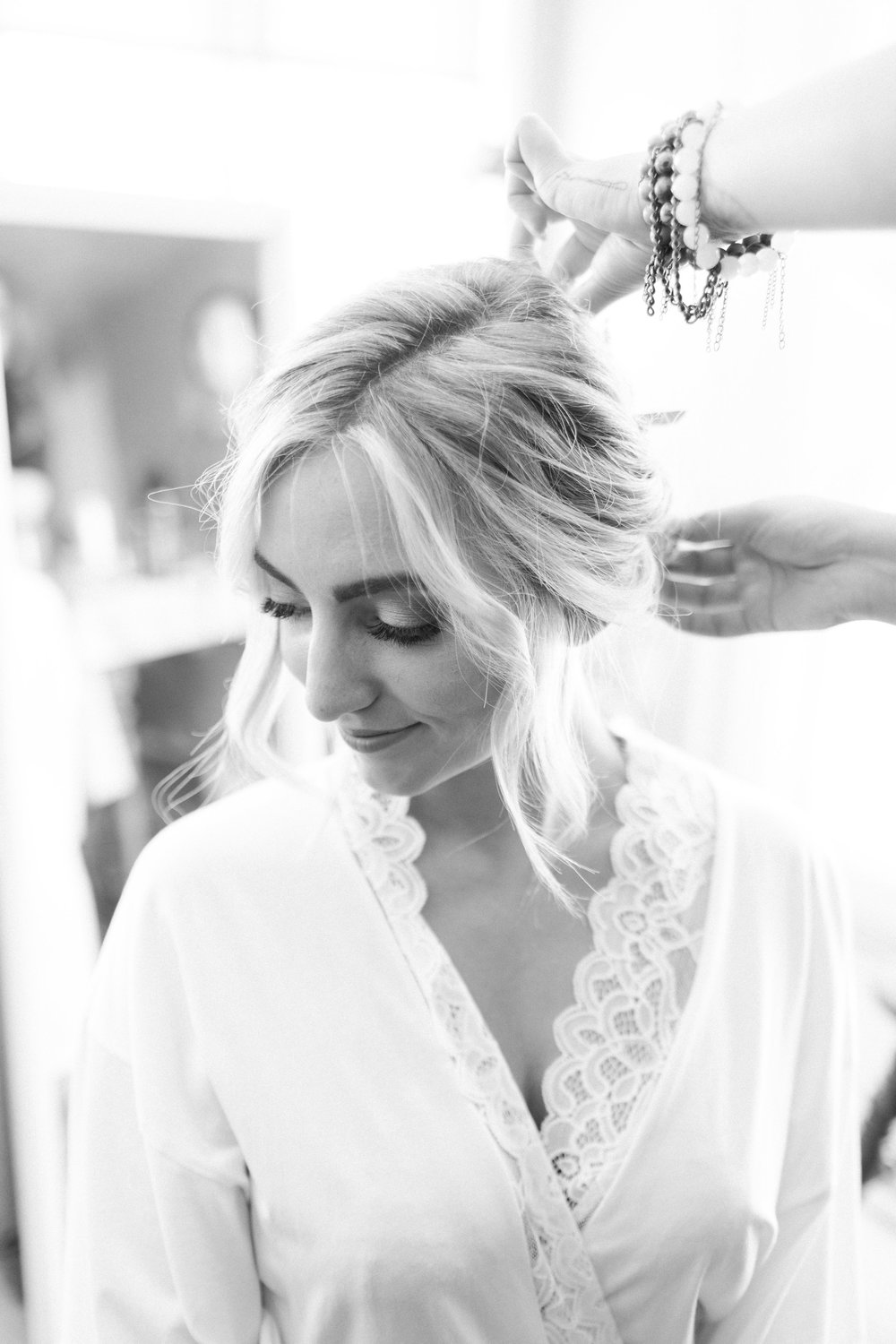 www.santabarbarawedding.com | Ann Johnson | Katie Shuler Photography | Ventura Botanical Gardens | Bride Getting Ready