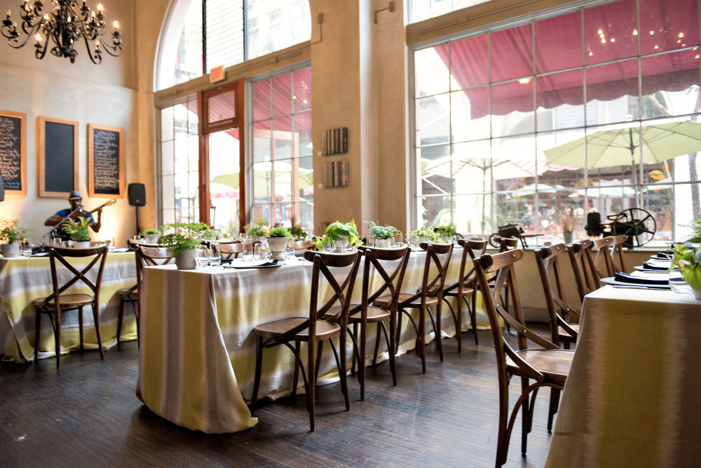 www.SantaBarbaraWeddingStyle | State & Fig Restaurant | Santa Barbara Wedding Location | Rehearsal Dinner | Brunch | Ann Johnson Events | Emma Rose Floral | La Tavola Linen | Laurie Bailey Photography