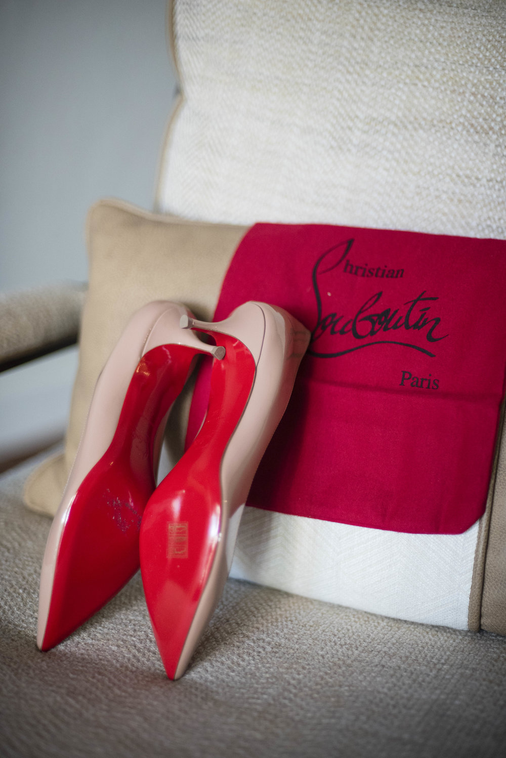 www.santabarbarawedding.com | By Cherry Photography | Santa Barbara Courthouse | Bride's Shoes
