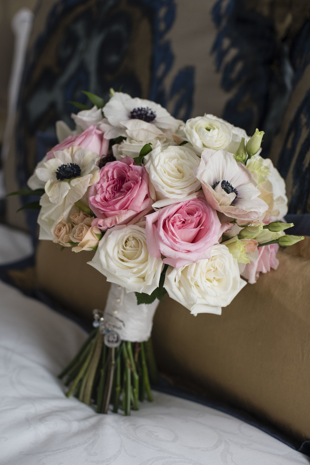 www.santabarbarawedding.com | By Cherry Photography | Santa Barbara Courthouse | Bridal Bouquet