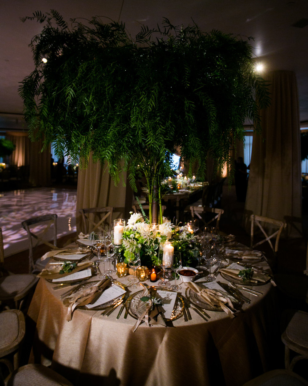 www.santabarbarawedding.com | Four Seasons Santa Barbara | Levine Fox Events | Callaway Gable Photo | Reception Tables