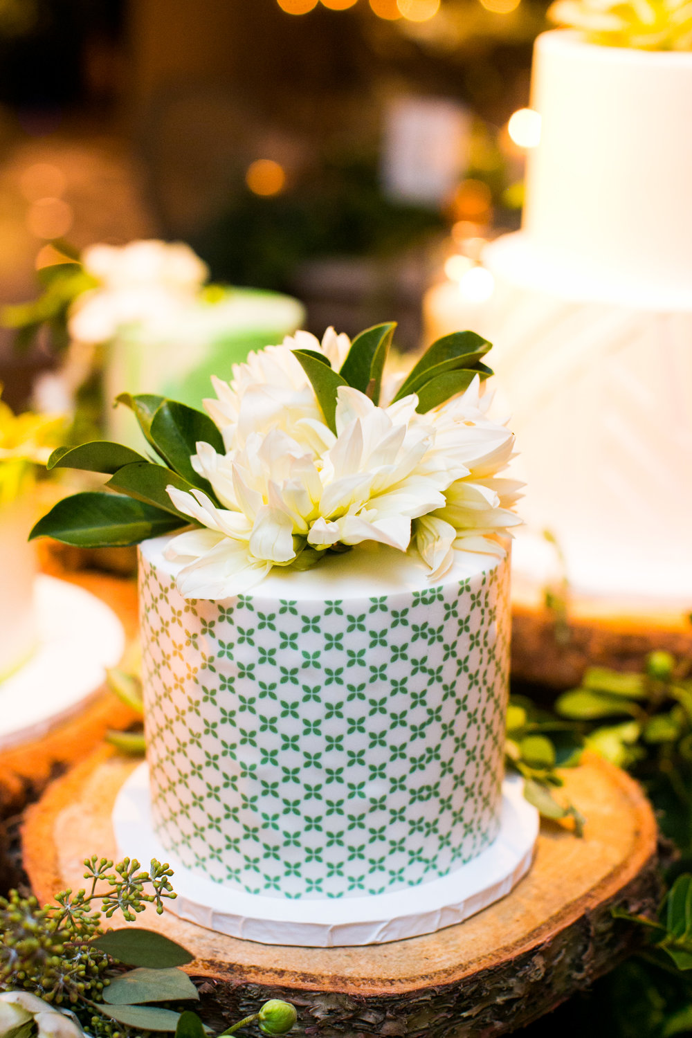 www.santabarbarawedding.com | Four Seasons Santa Barbara | Levine Fox Events | Callaway Gable Photo | Wedding Cake