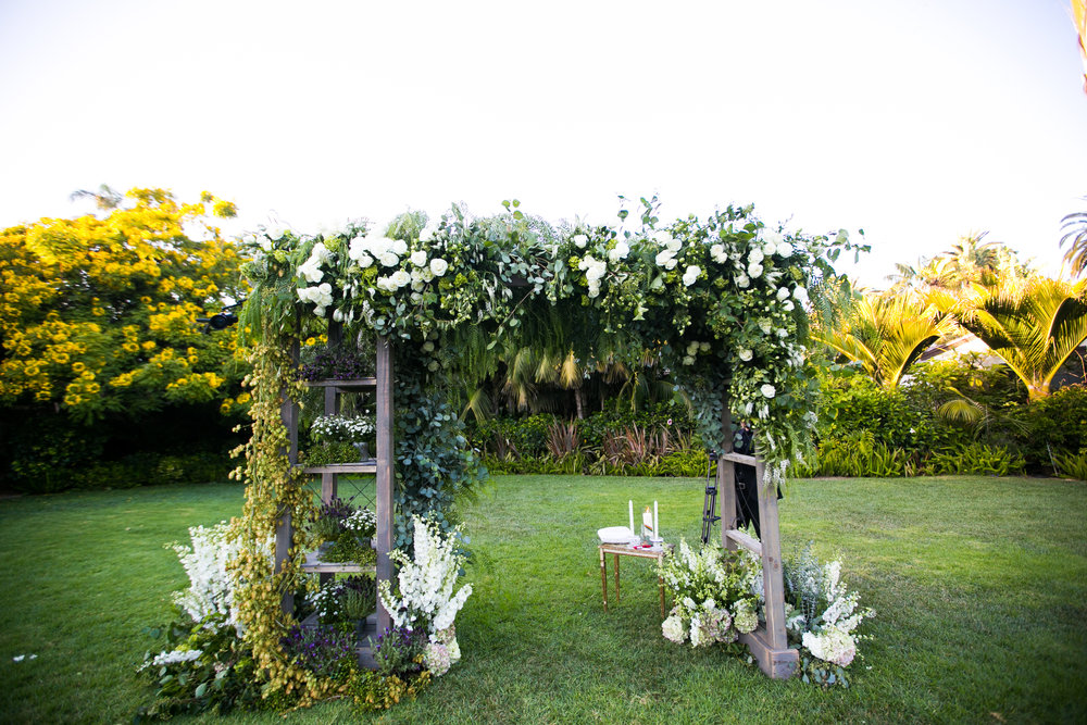 www.santabarbarawedding.com | Four Seasons Santa Barbara | Levine Fox Events | Callaway Gable Photo | Wedding Arch