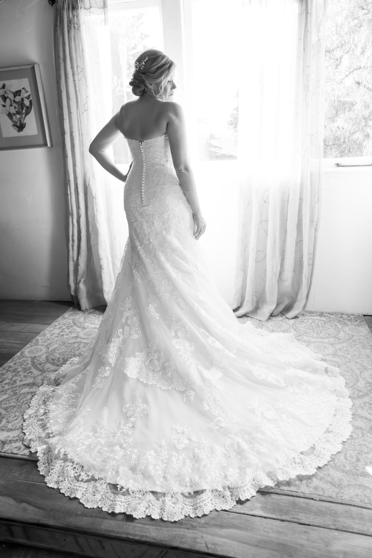 www.santabarbarawedding.com | Elizabeth Victoria Photo | Garden Street Academy | Bride