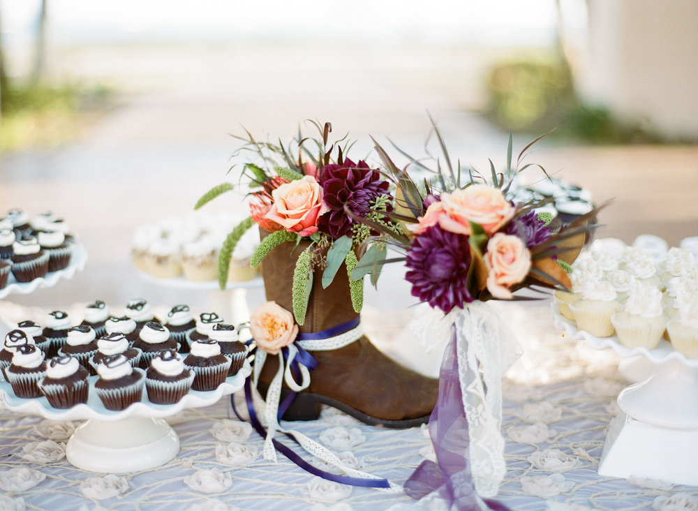 www.santabarbarawedding.com | Clarissa Koenig | Felici Events | Hilton Santa Barbara Beachfront Resort | Dessert Table