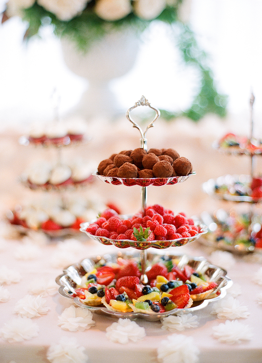 www.santabarbarawedding.com | Dos Pueblos Ranch | Soigne Productions | Lacie Hansen | Dessert