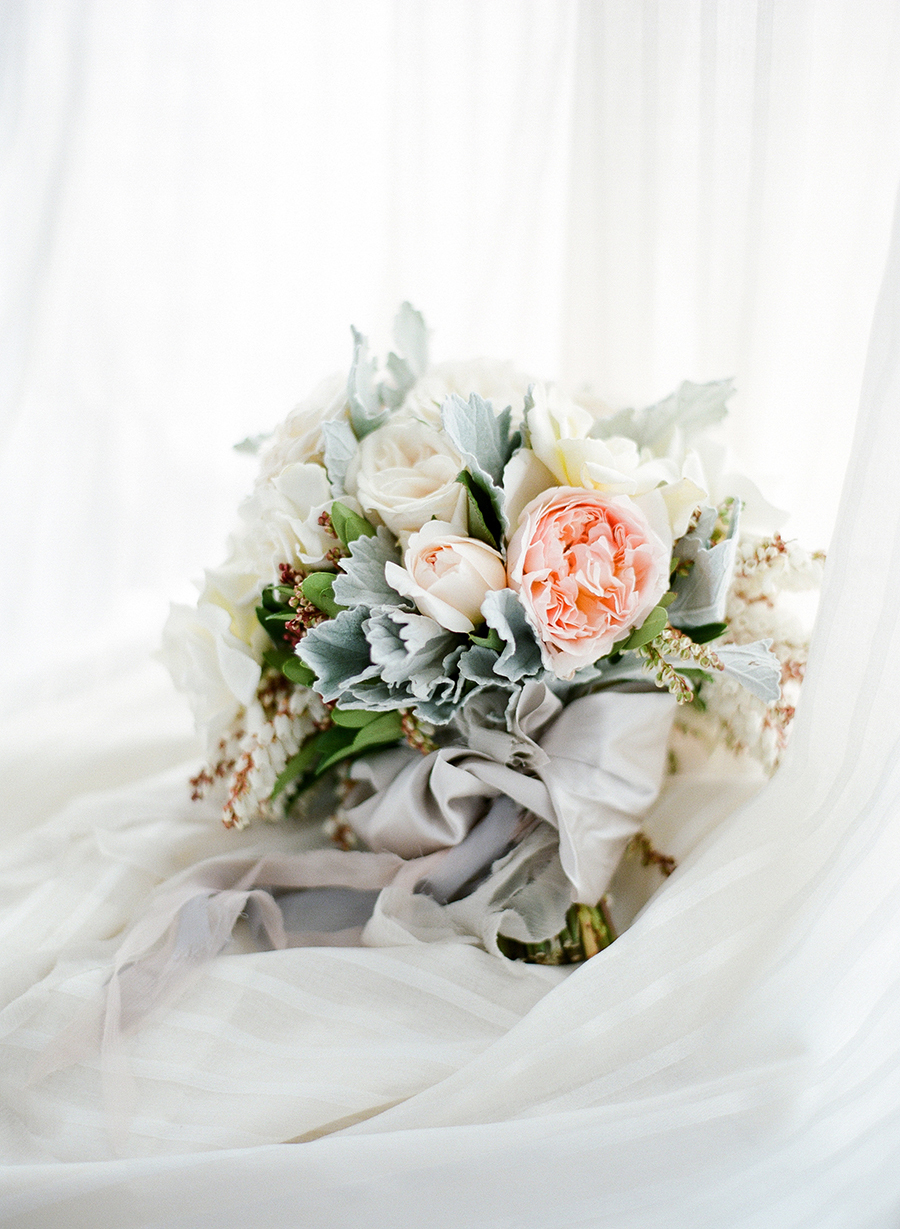 www.santabarbarawedding.com | Dos Pueblos Ranch | Soigne Productions | Lacie Hansen | Bridal Bouquet