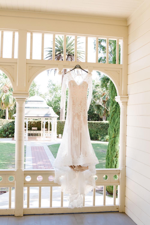 www.santabarbarawedding.com | Camarillo Ranch House | Joshua Rainey | Wedding Dress