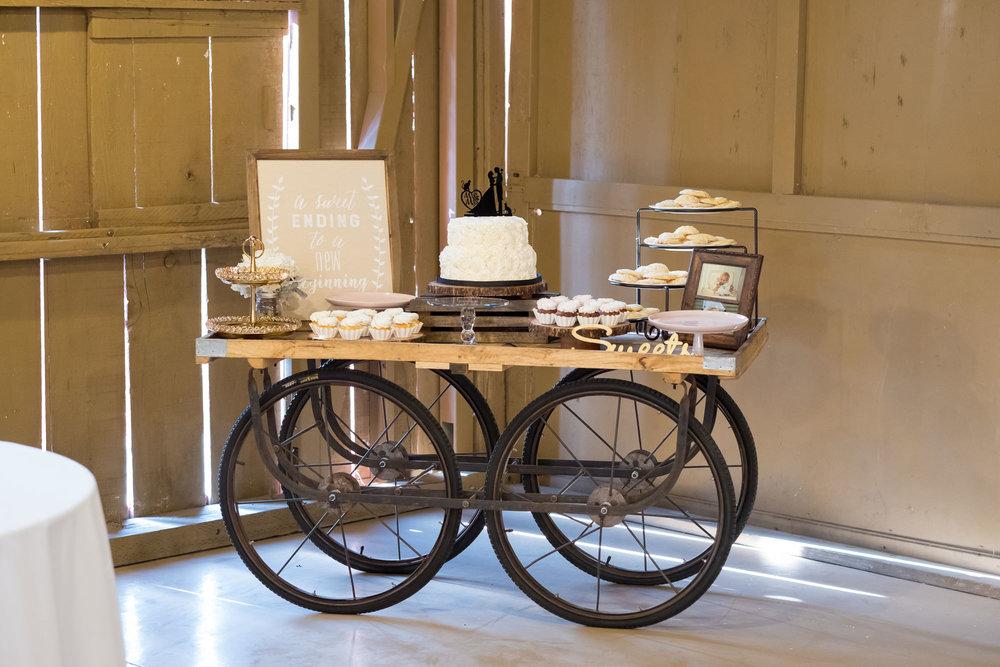 www.santabarbarawedding.com | Camarillo Ranch House | Joshua Rainey | Dessert Table