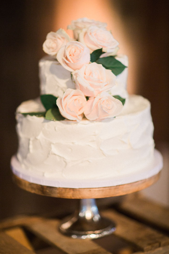 www.santabarbarawedding.com | Crossroads Estate | Michael and Anna Costa | Soigne Productions | Wedding Cake