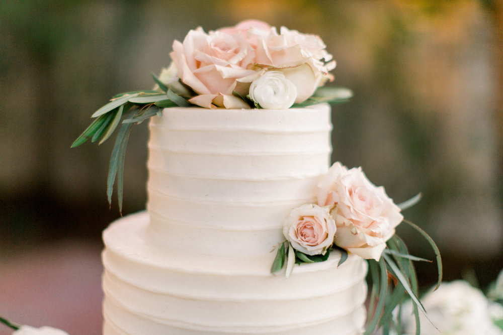www.santabarbarawedding.com | Jenny Quicksall | Santa Barbara Club | Bluebell Events | Wedding Cake