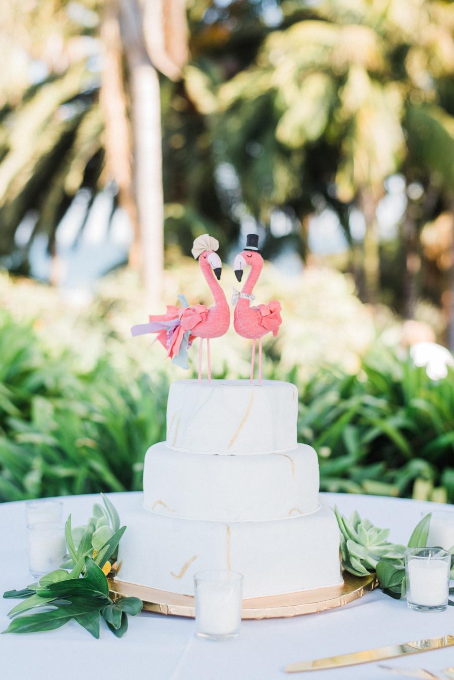 www.santabarbarawedding.com | Laura Ford Photos | Santa Barbara Zoo | Rincon Events | Wedding Cake