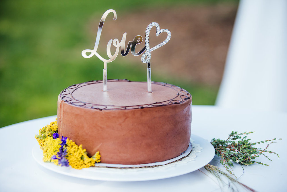 www.santabarbarawedding.com | Just Kiss Collective | Rancho La Patera & Stow House | Wedding Cake