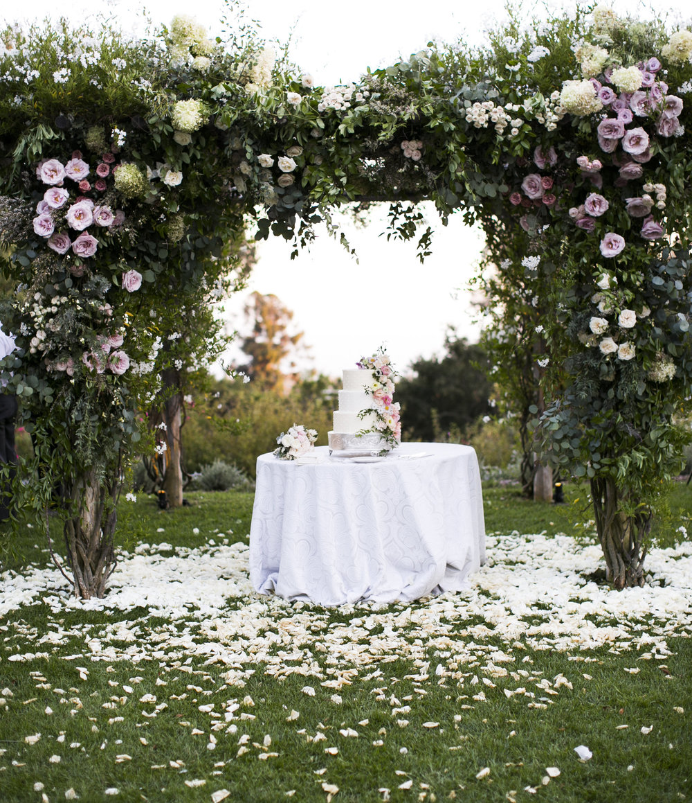 www.santabarbarawedding.com | Event of the Season | San Ysidro Ranch | Birds of a Feather | Wedding Cake