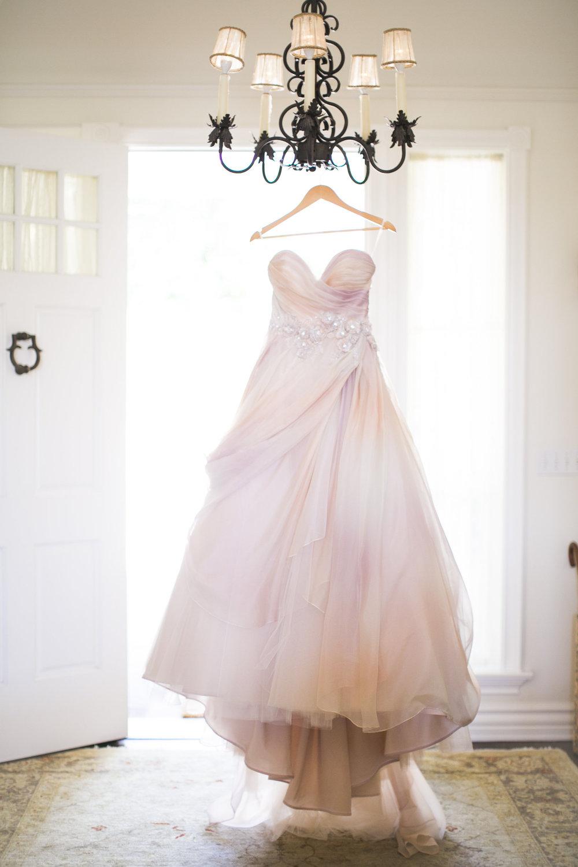www.santabarbarawedding.com | Event of the Season | San Ysidro Ranch | Birds of a Feather | Wedding Dress