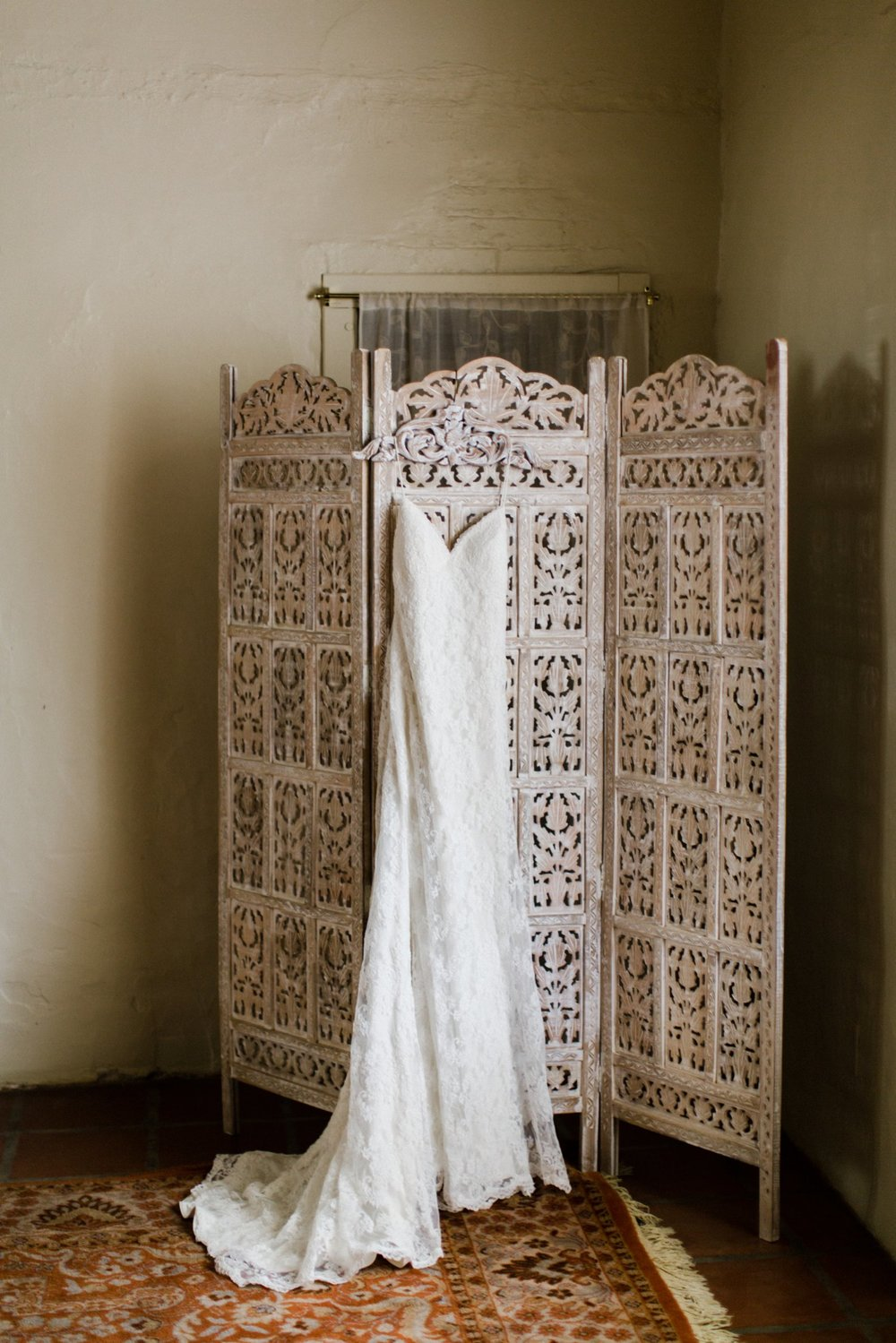 www.santabarbarawedding.com   Anna Delores   Santa Barbara Historical Museum   Wedding Gown