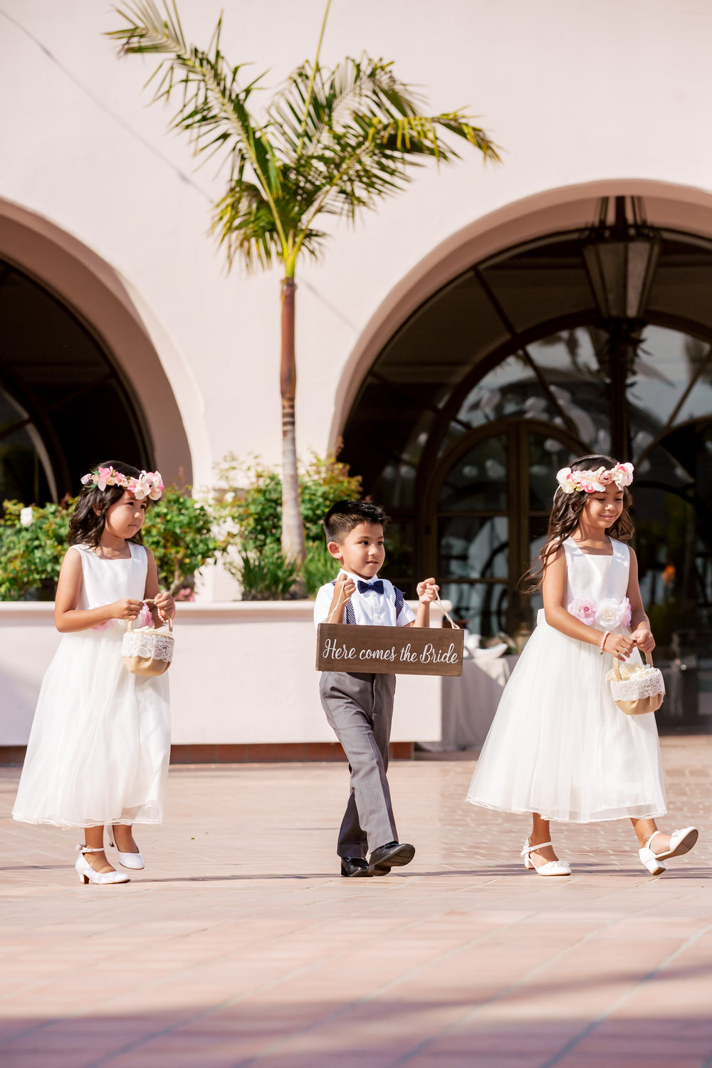 www.santabarbaraweddingstyle.com | Rewind Photography | Events by M and M | Hilton Santa Barbara | Flower Girl and Ring Bearer