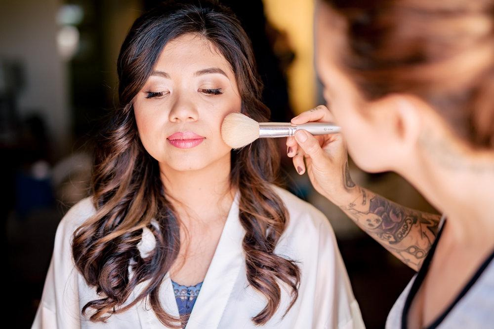 www.santabarbaraweddingstyle.com | Rewind Photography | Events by M and M | Hilton Santa Barbara | Bride getting Ready