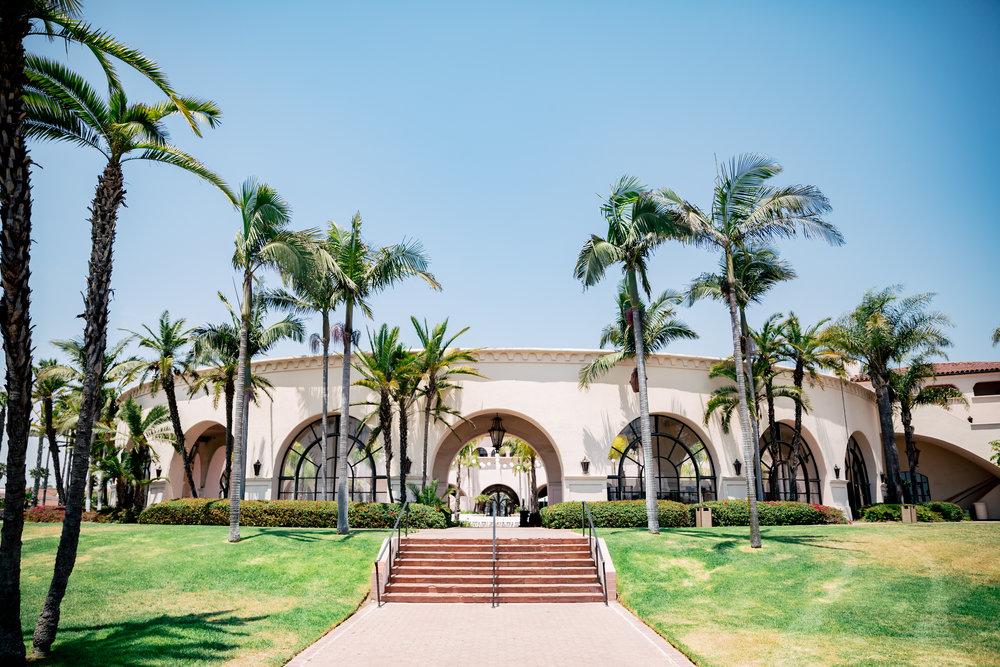 www.santabarbaraweddingstyle.com | Rewind Photography | Events by M and M | Hilton Santa Barbara | Wedding venue