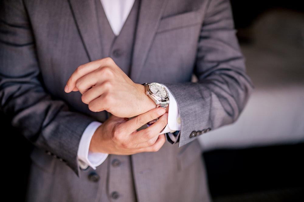 www.santabarbaraweddingstyle.com | Rewind Photography | Events by M and M | Hilton Santa Barbara | Groom getting ready