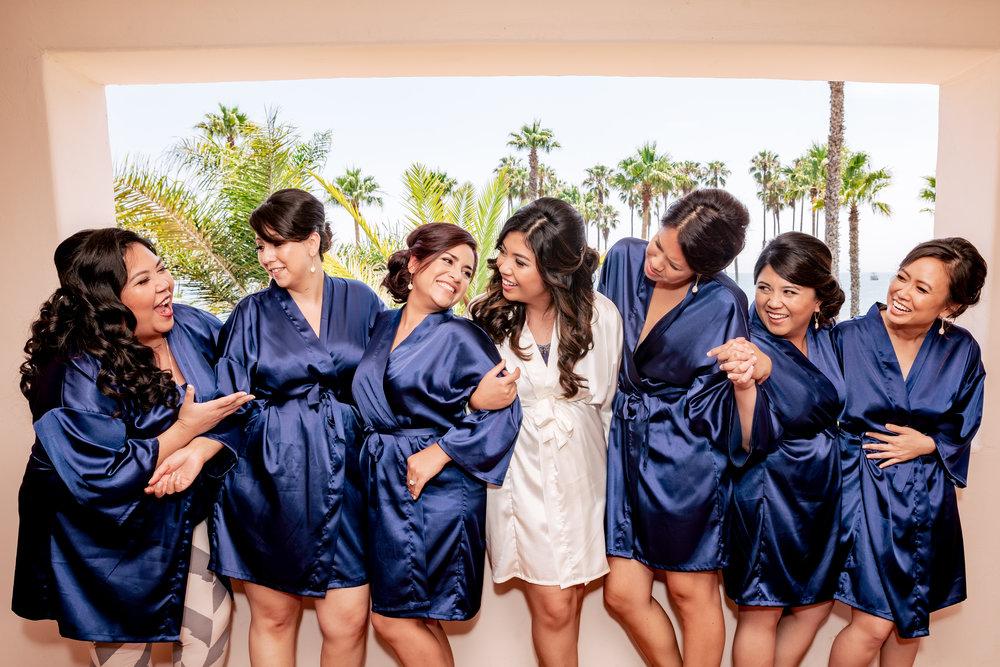 www.santabarbaraweddingstyle.com | Rewind Photography | Events by M and M | Hilton Santa Barbara | Bridesmaids getting ready