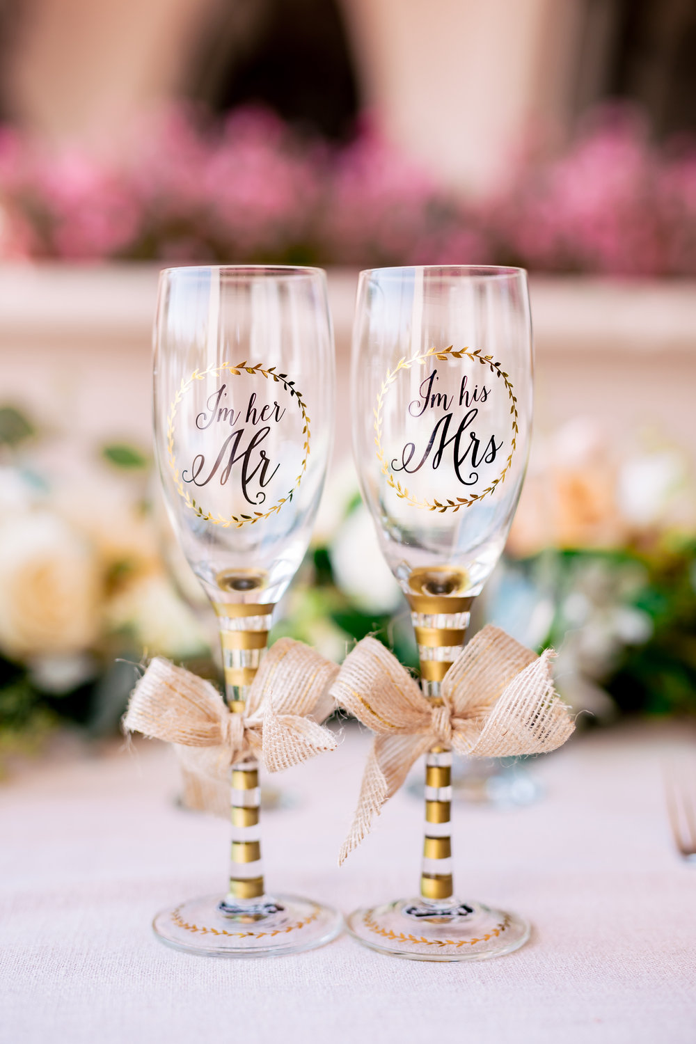 www.santabarbaraweddingstyle.com | Rewind Photography | Events by M and M | Hilton Santa Barbara | Champagne Flutes