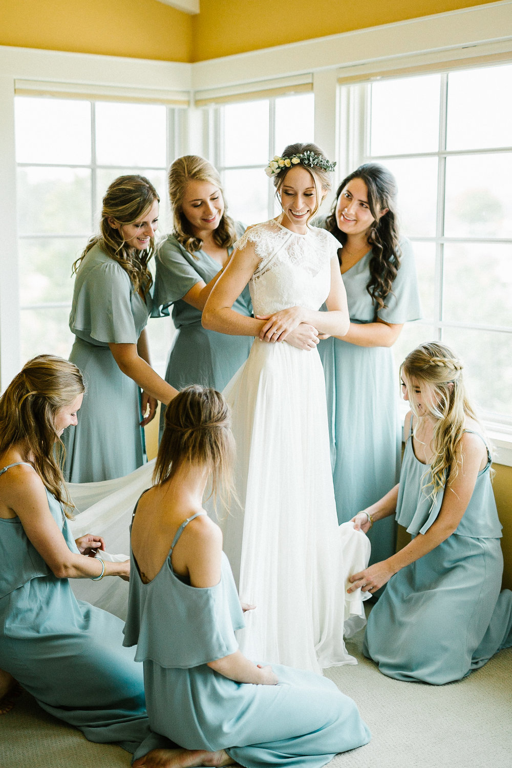 www.santabarbarawedding.com | Elings Park | Hannah Rose Gray | Bride and Bridesmaids