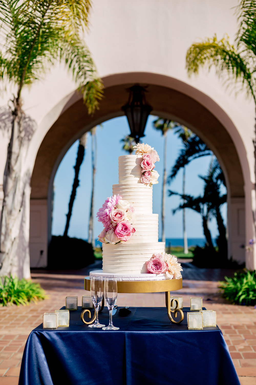 www.santabarbarawedding.com | Rewind Photography | Hilton Santa Barbara Beachfront Resort | Events by M and M | Wedding Cake