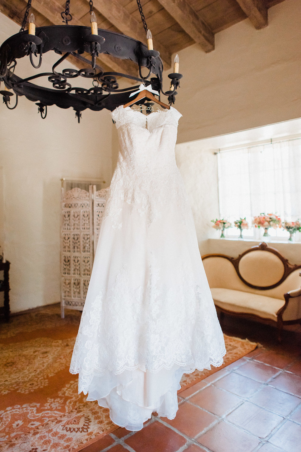 www.santabarbarawedding.com | Grace Kathryn | Santa Barbara Historical Museum | Wedding Gown