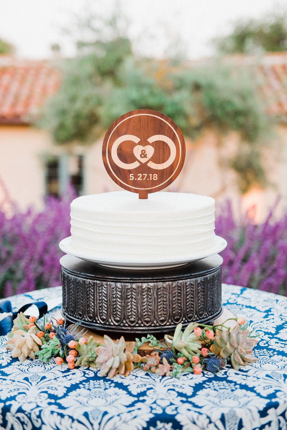 www.santabarbarawedding.com | Grace Kathryn | Santa Barbara Historical Museum | Wedding Cake