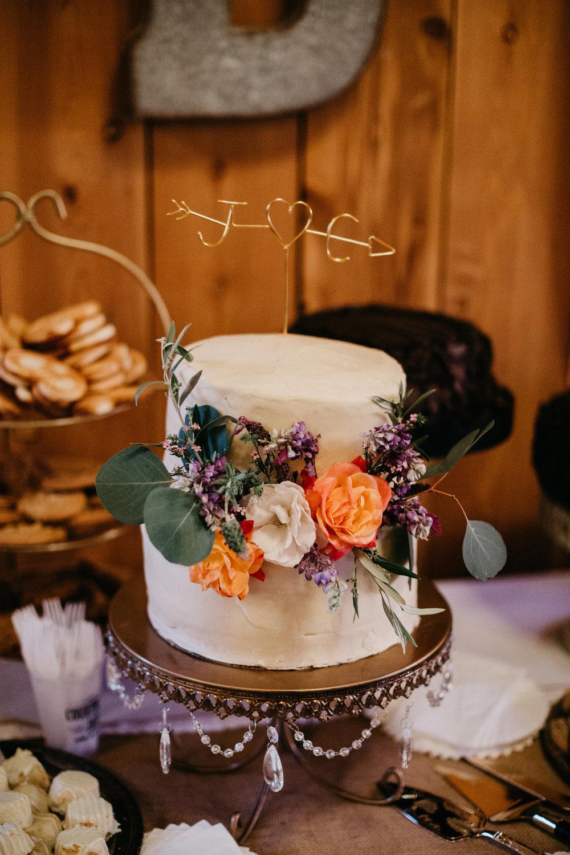 www.santabarbarawedding.com   Grace Maralyn Estate   Diana Lake Photo   Wedding Cake