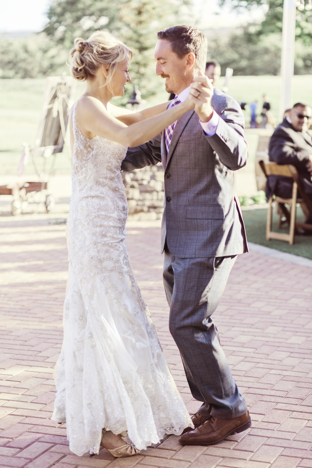 www.santabarbarawedding.com | Kay Mitchell | The Carriage House | Effortless Events | First Dance