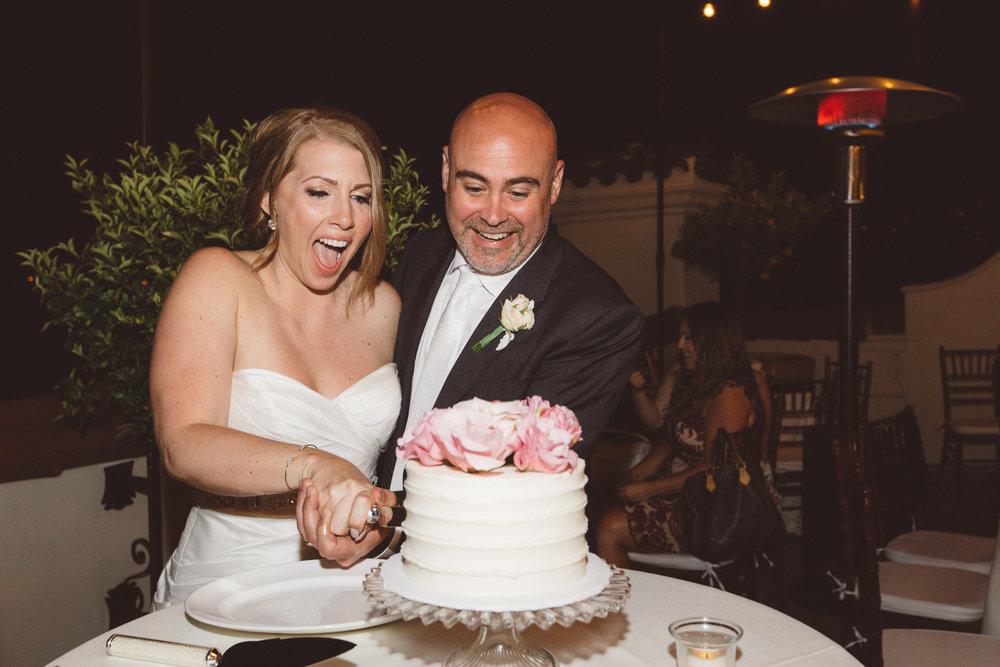 www.santabarbarawedding.com | Canary Hotel | Anna Delores Photography | Santa Barbara Wedding Coordinator | Cutting the Cake