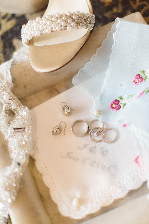 www.santabarbarawedding.com | Canary Hotel | Anna Delores Photography | Santa Barbara Wedding Coordinator | Bride's Accessories