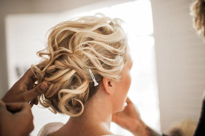 www.santabarbarawedding.com | Soigne Productions | Presqu'ile Winery | Wade Carr Photo | Bride getting ready
