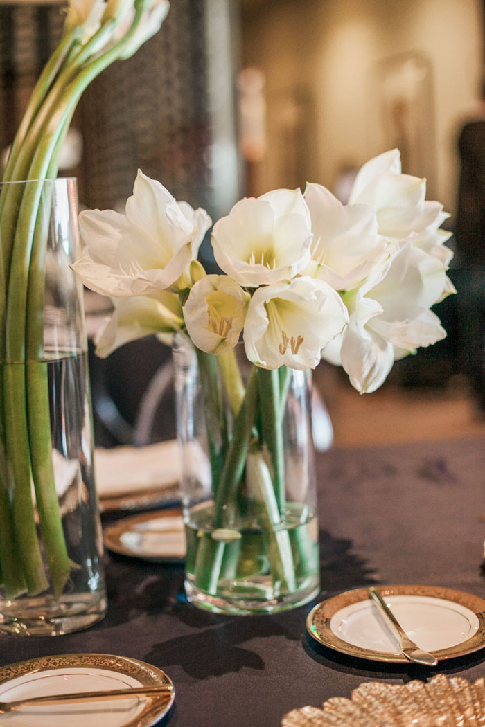 www.santabarbarawedding.com | Soigne Productions | Presqu'ile Winery | Wade Carr Photo | Flower Arrangement