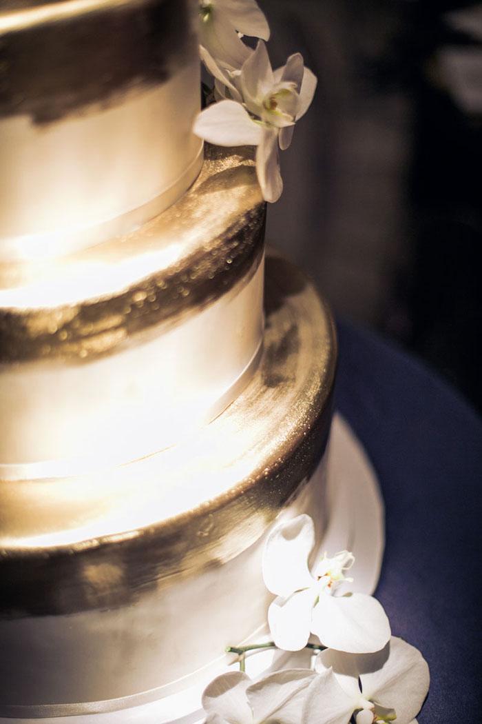 www.santabarbarawedding.com | Soigne Productions | Presqu'ile Winery | Wade Carr Photo | Wedding Cake