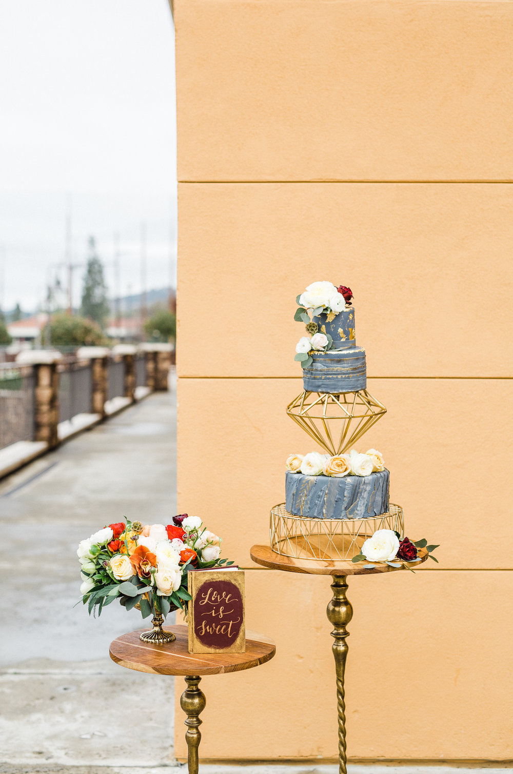 www.santabarbarawedding.com | Los Robles Greens | Besame Floral Events | Rachel Birkhofer | Styled Shoot | Wedding Cake