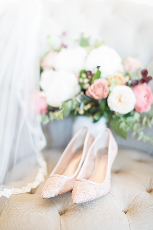 www.santabarbarawedding.com | Kiel Rucker | Kestrel Park | Bouquet and Bride's Shoes