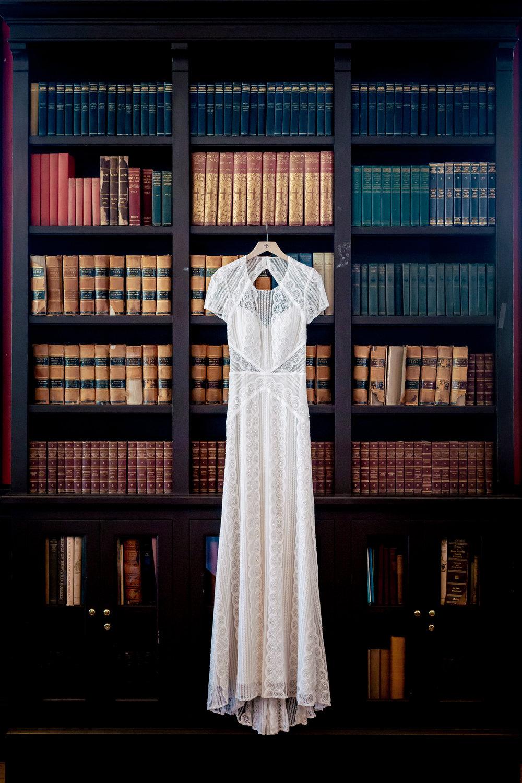 www.santabarbarawedding.com | Rewind Photography | Alegria by Design | Santa Barbara Club | Wedding Dress