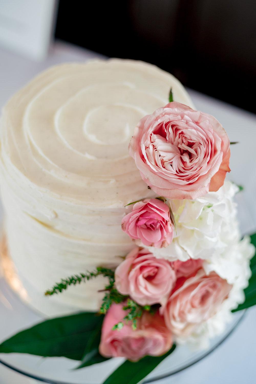 www.santabarbarawedding.com | Rewind Photography | Alegria by Design | Santa Barbara Club | Wedding Cake