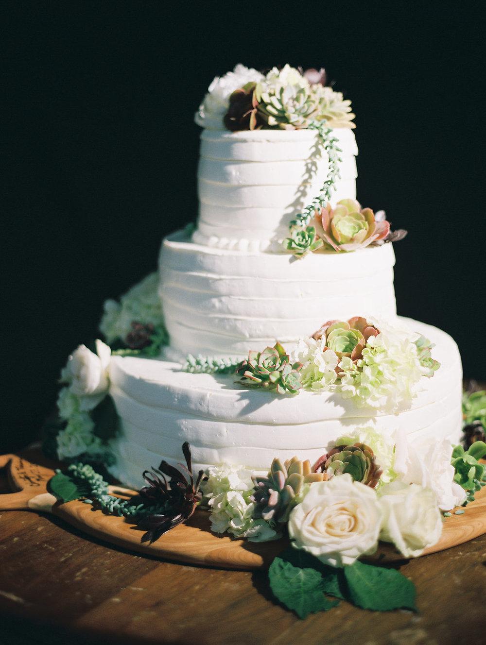 www.santabarbarawedding.com | Unitarian Society | Percy Sales | Steven Leyva | Wedding Cake