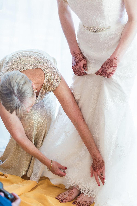 www.santabarbarawedding.com | Unitarian Society | Percy Sales | Steven Leyva | Bride getting ready