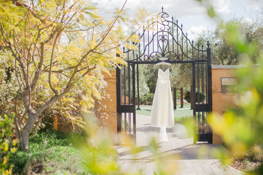www.santabarbarawedding.com | Los Robles Greens | Events by Fran | Chelsea Elizabeth | Wedding Gown