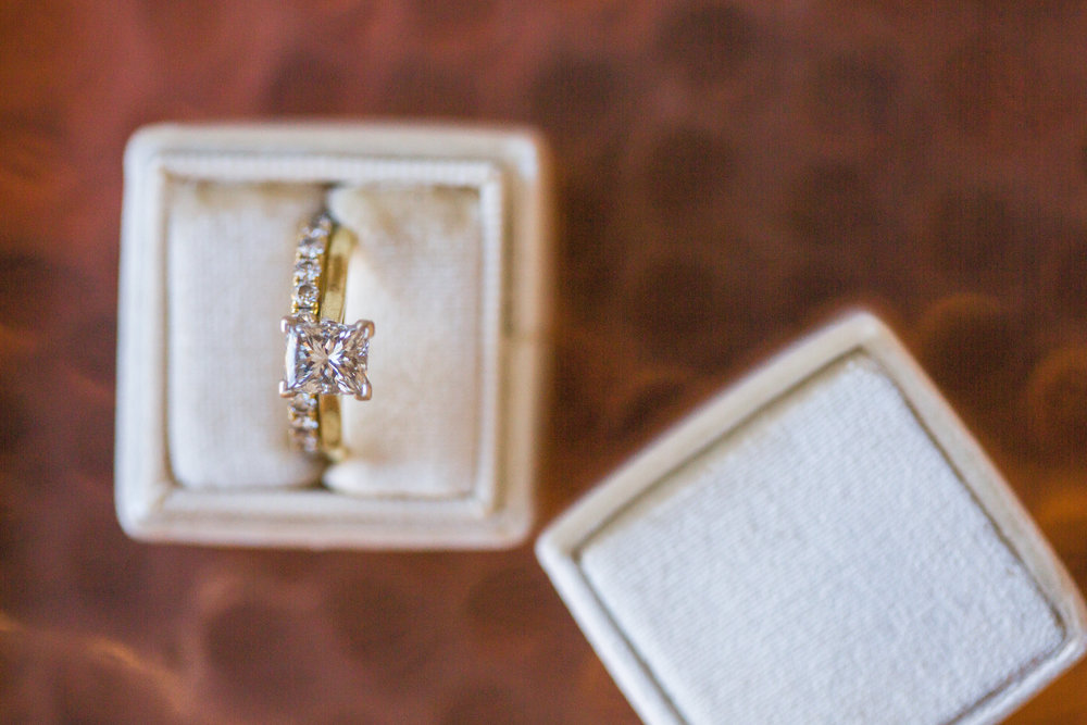 www.santabarbarawedding.com | Los Robles Greens | Events by Fran | Chelsea Elizabeth | Bridal Jewelry