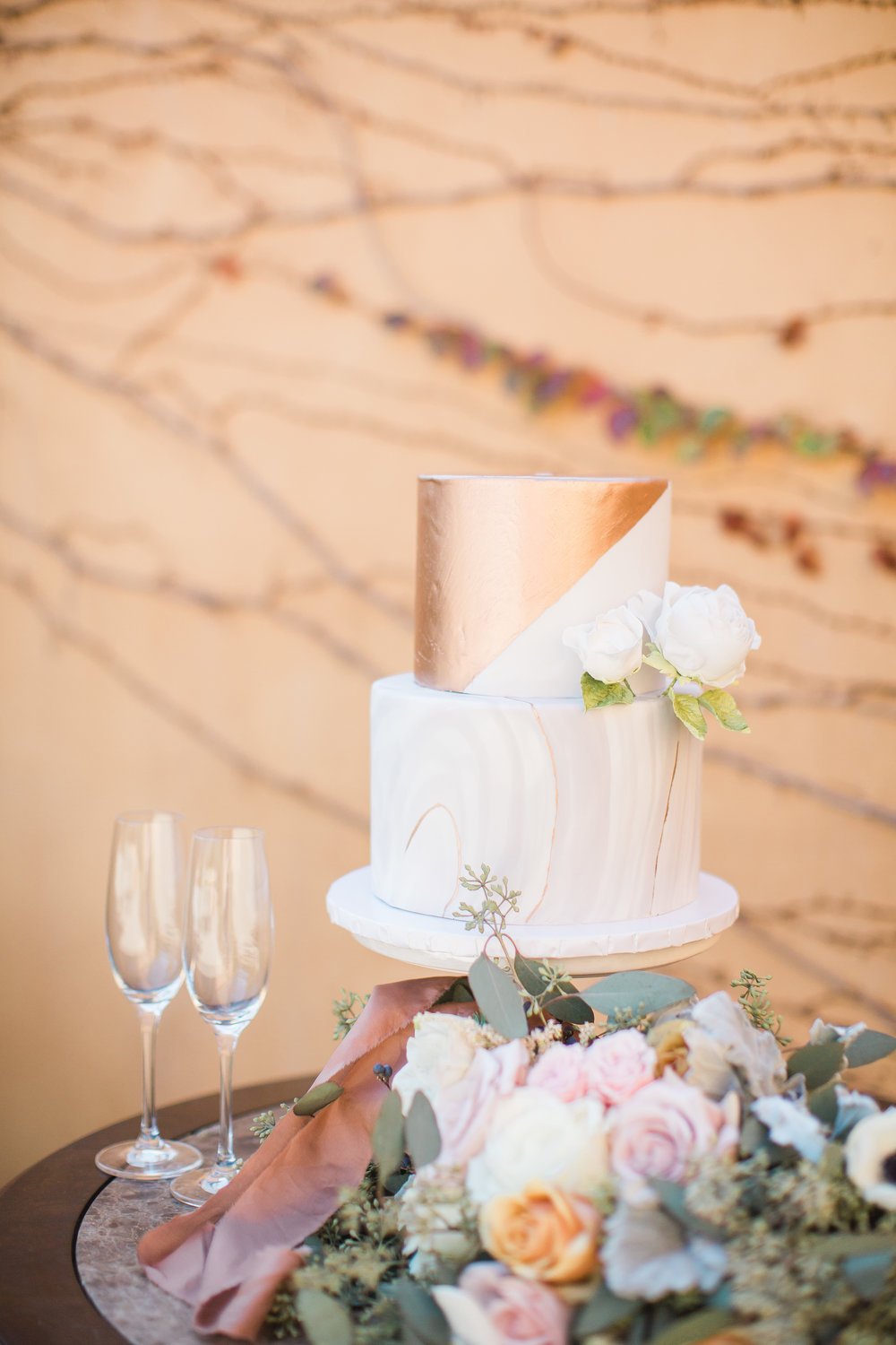 www.santabarbarawedding.com | Los Robles Greens | Events by Fran | Chelsea Elizabeth | Wedding Cake