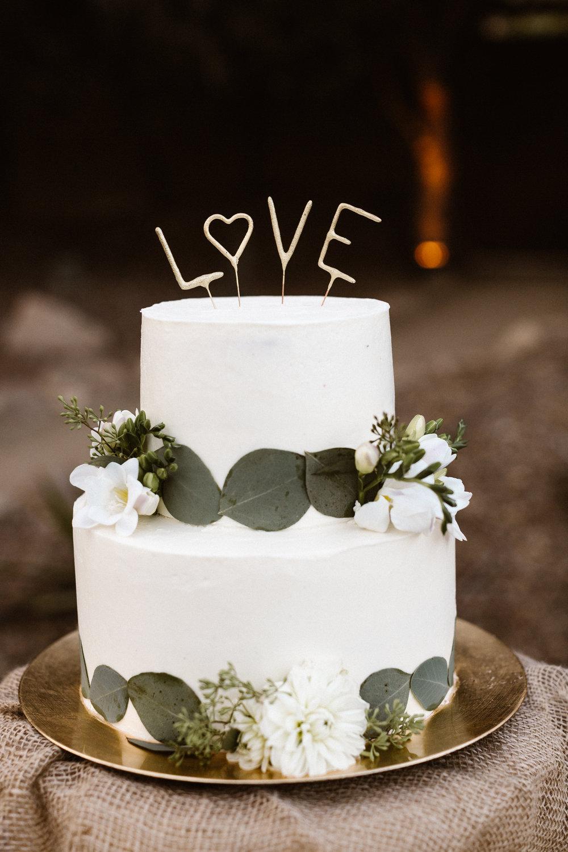 www.santabarbarawedding.com   Hannah Rose Gray   Wild Heart Events   Wedding Cake