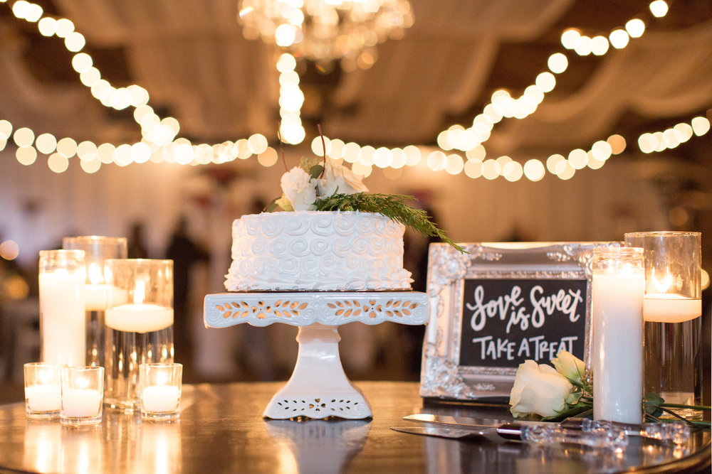 www.santabarbarawedding.com | Whispering Rose Ranch | Ann Johnson Events | Anna J Photo | Wedding Cake